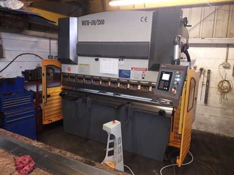 100 tonne CNC press brake Kent