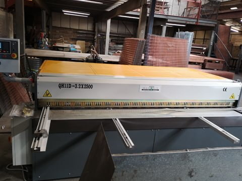 Mechanical guillotine installed in the Midlands.