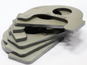 Cut metal pe un tăietor cu laser fibre